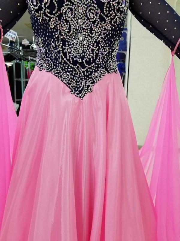 2色使いのLサイズ スタンダードドレス レンタルドレスのネット予約