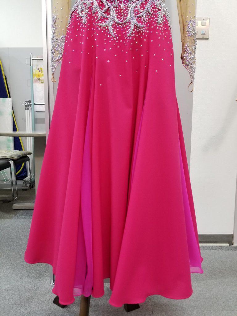 2万円台でも出来る お手軽 社交ダンスドレスのリメイク術 白樺ドレスのリフォーム Before After G15 ホース付ペチコート 説明用 ビフォーアフター01