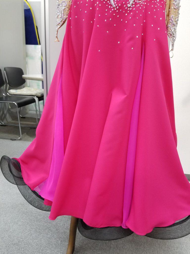 2万円台でも出来る お手軽 社交ダンスドレスのリメイク術 白樺ドレスのリフォーム Before After G15 ホース付ペチコート 説明用 ビフォーアフター02