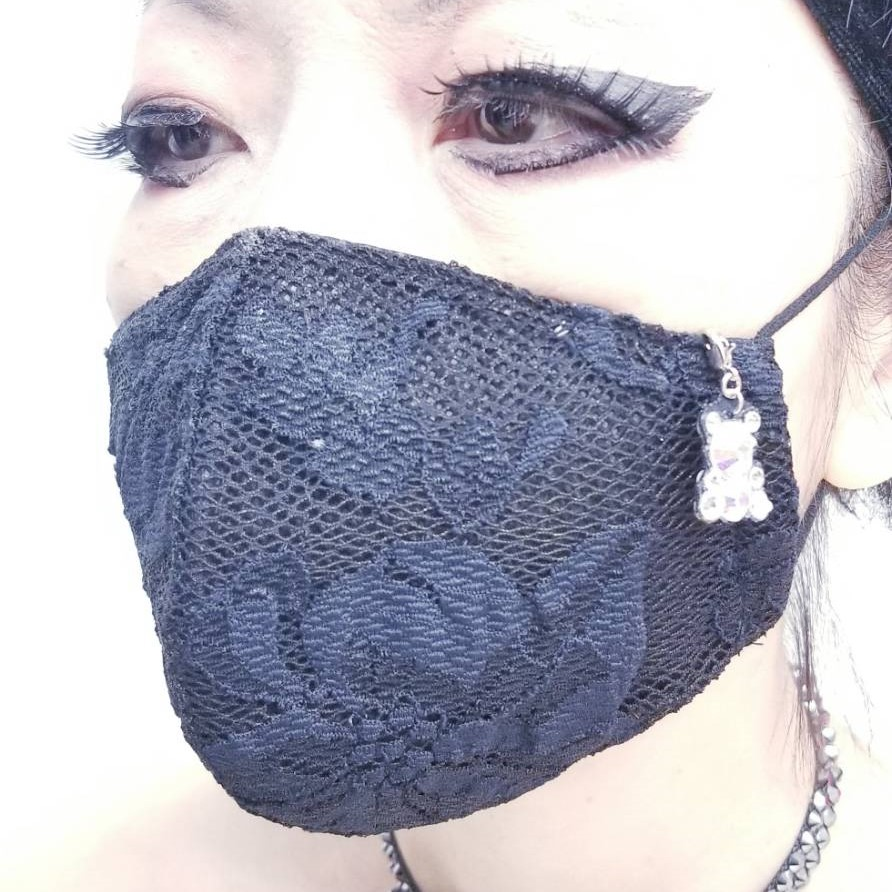 おしゃれなチャーム付マスク 手作り立体マスク レースの豪華マスク