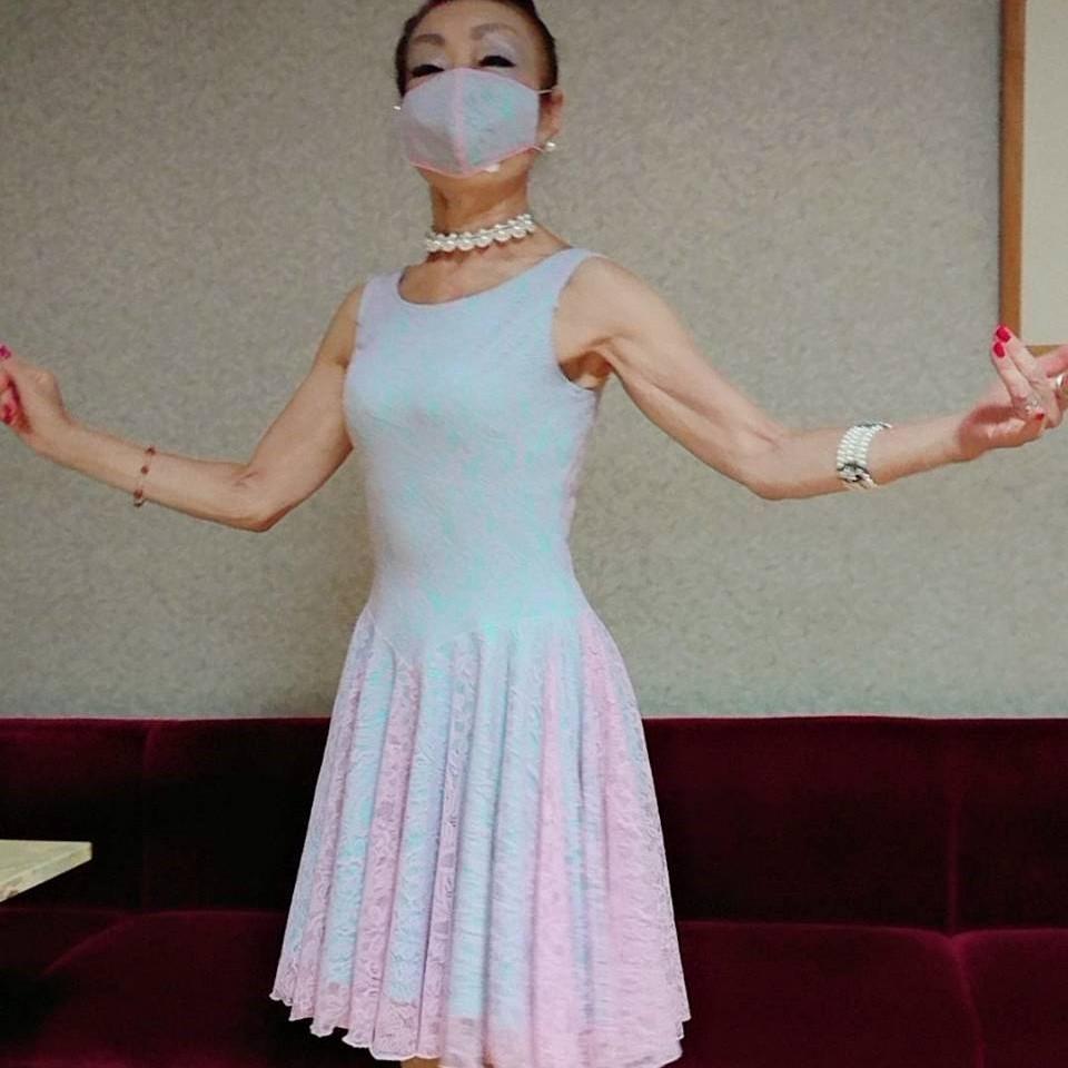 白樺ドレスマスク 国産布マスク 洗える日本製布マスク クールビューティー ネービーフロッキーマスク キラキラチャーム付おしゃれマスク 高級おしゃれマスク 社交ダンス用品 耐久性抜群マスク