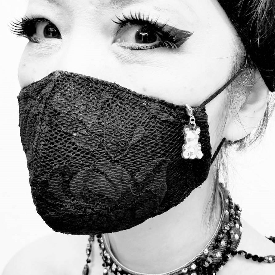 マスクチャーム マスクアクセサリー ラインストーン くまちゃん キラキラチャーム キラキラアクセサリー マスクにつけられる飾り ハンドメイドマスクチャーム 手作りチャーム ギフト用マスクアクセサリー
