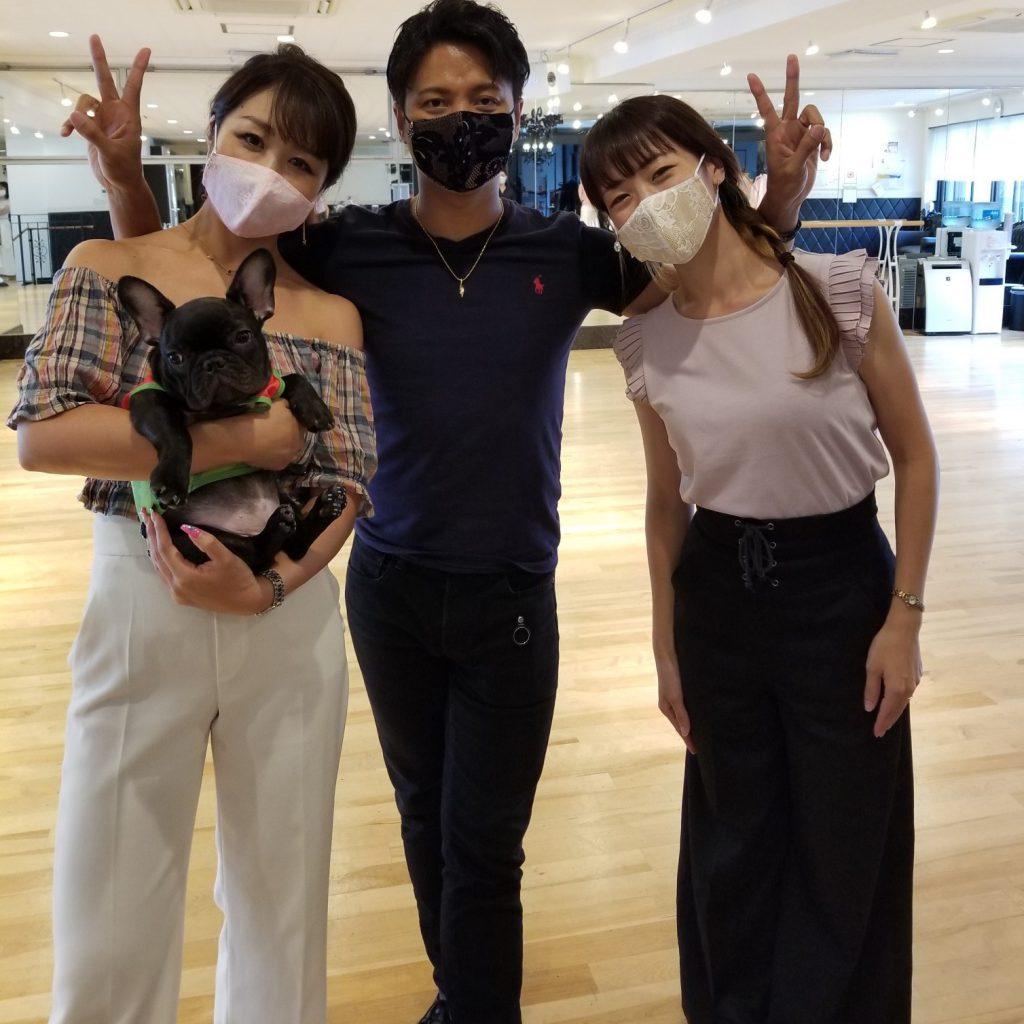 レースマスク,マスクチャーム,チャーム付おしゃれマスク,ドレス生地で作ったマスク,小顔効果抜群のマスク,プレゼントにも使えるおしゃれマスク,高級マスク,洗える高級マスク,丈夫な高級マスク