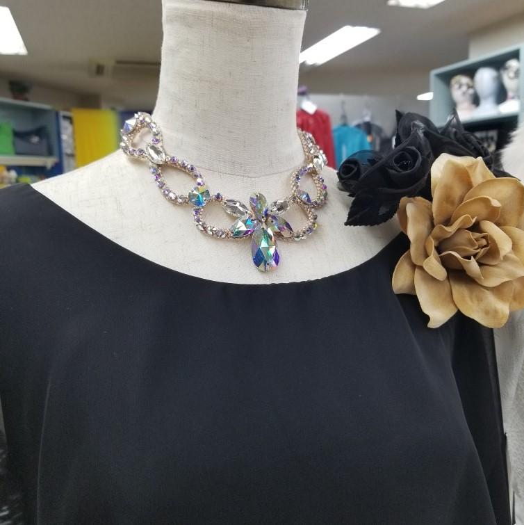 非金属チョーカー 首飾り 首輪 ネックレス ダンスファッション スワロフスキー プレシオサ 敏感肌用ネックレス