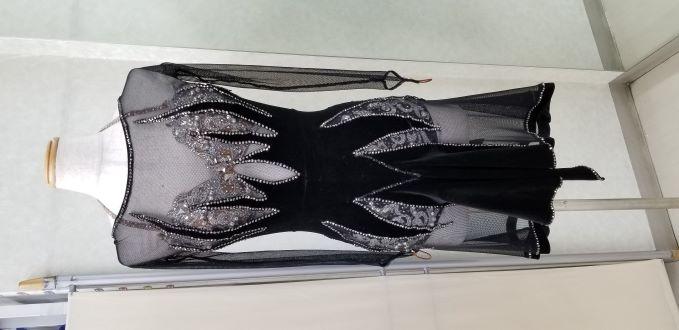 衣装のリメイク ドレスリフォーム ドレスのお直し 社交ダンスドレスお直し東京 社交ダンスドレスメンテナンス パーティードレスお直し 社交ダンスドレス丈詰め 社交ダンスドレス巾詰め