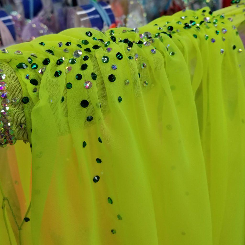 宅配試着 ネット予約 目立つ 軽量 スタンダードドレス ライムカラー 蛍光色 競技用スタンダードドレス アネックス Mサイズ