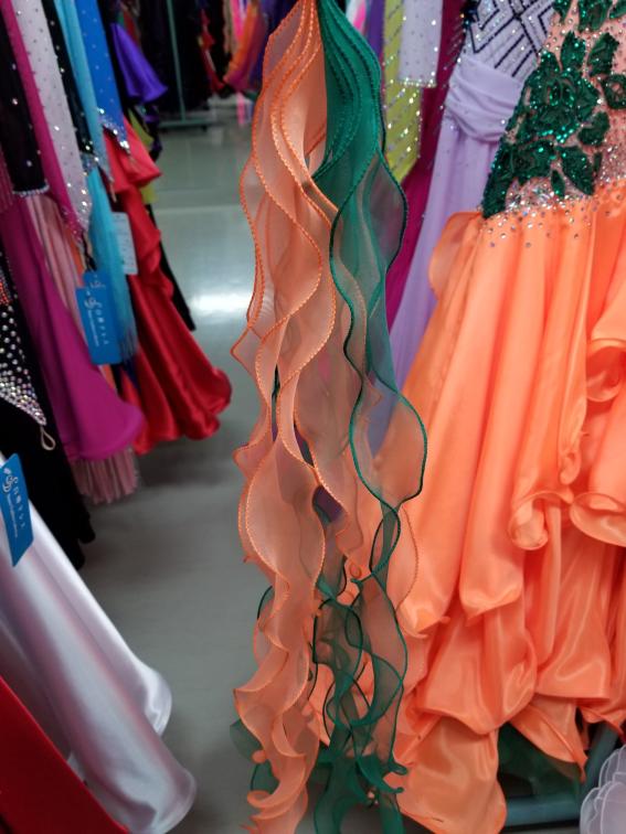 フリフリスカート オレンジスタンダードドレス ティアード調スタンダードドレス 目立つためのスタンダードドレス