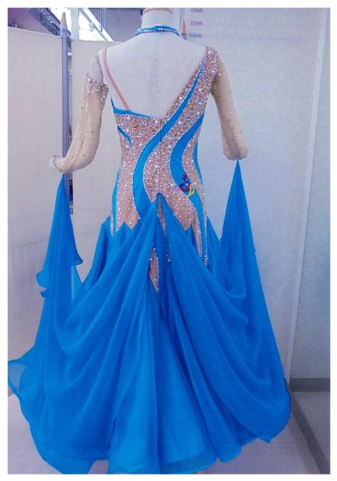 社交ダンス レンタルドレス モダン スタンダード ロイヤルブルー ベージュ 【レンタル料金】 ¥30,000〔サイズ〕ウエスト:72~75cm 身長:155~163cm程度 ワンショルダーで、ヌーディーな感じが大人っぽさを演出します。人気のNEOライン新商品