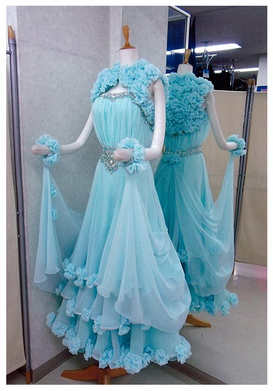 ボレロ式のスタンダードドレス