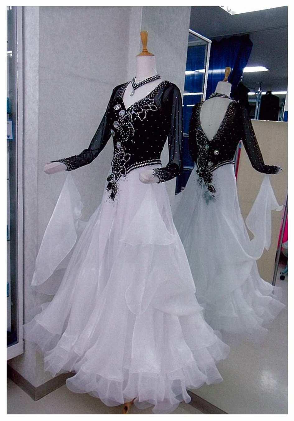 レンタルフォーメーションドレス