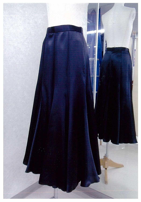 パソにも使える巻きスカート