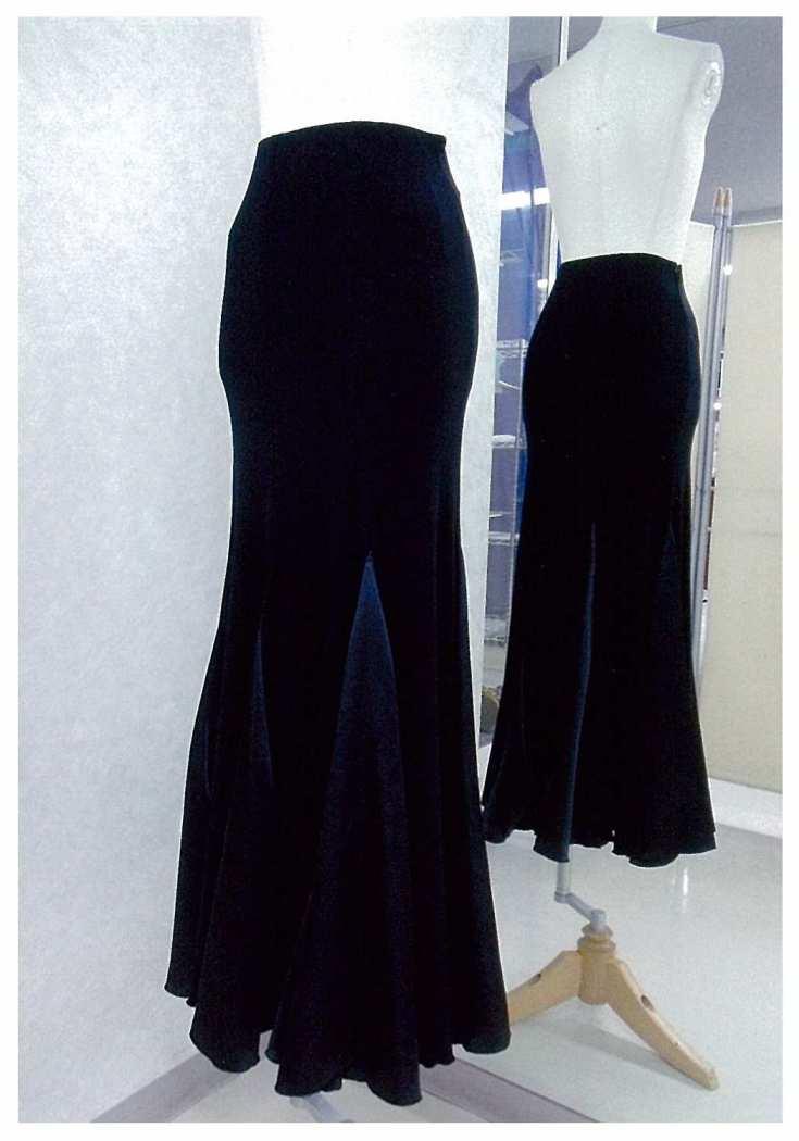 ダンスにも使えるスカート