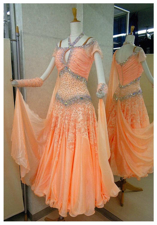 ワルツに適したドレス