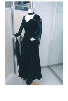 トップス黒画像 白樺ドレス