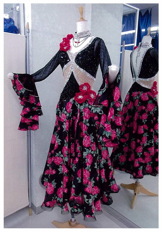 女性のパソドブレ用ドレス
