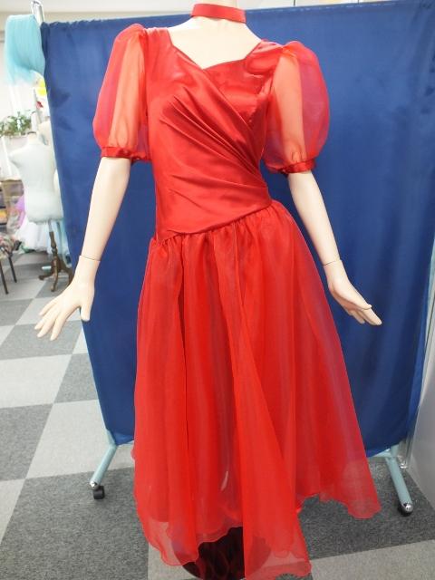 オーガンジーのパフスリーブドレス