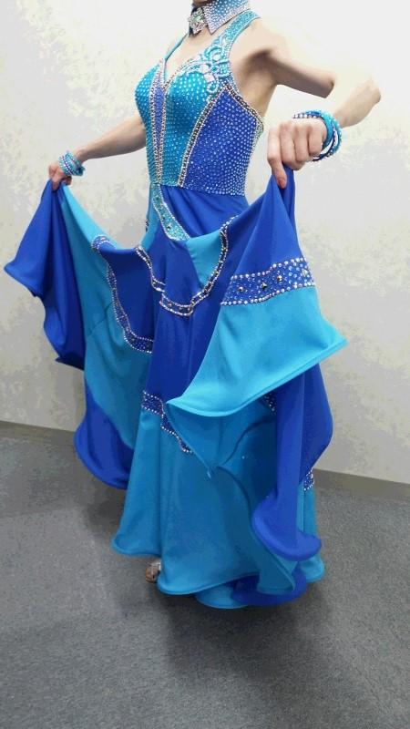 ブルーのパソドレス