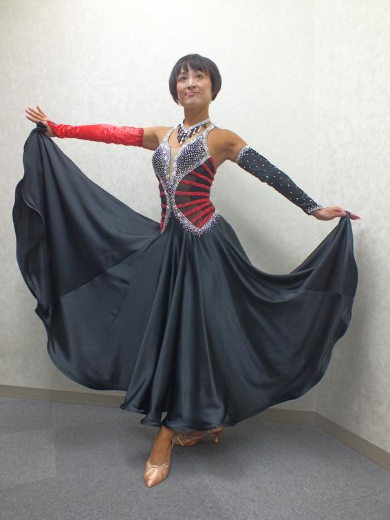 武本理絵先生お勧め個性的なパソ用ドレス 高級社交ダンス衣装 スタイリッシュパソボレロ