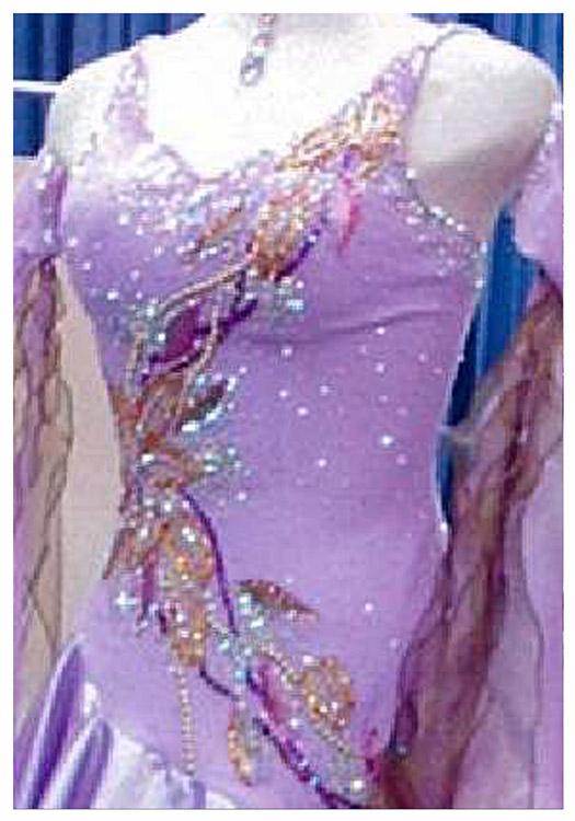 華やかな社交ダンスドレスのリメイク例