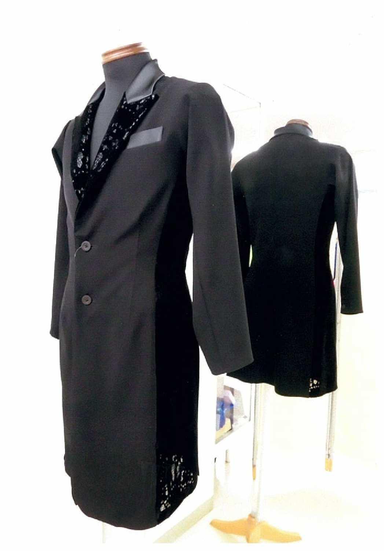 黒のロングジャケット 男性のデザインダンスジャケット