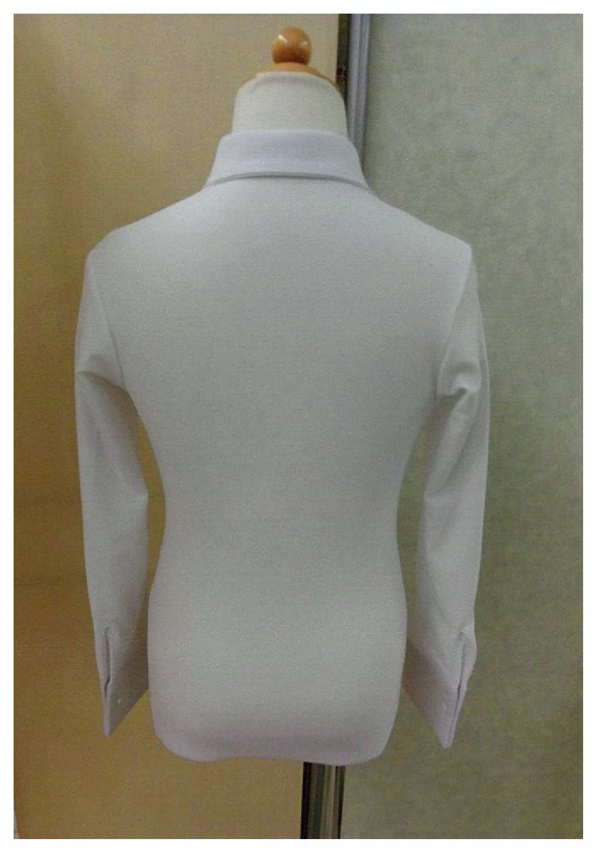 フィギュアスケート 男子のシャツ 石をちょっとつければ衣装に変わります