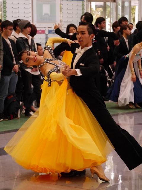 社交ダンスの六大学戦 勝つためのドレス