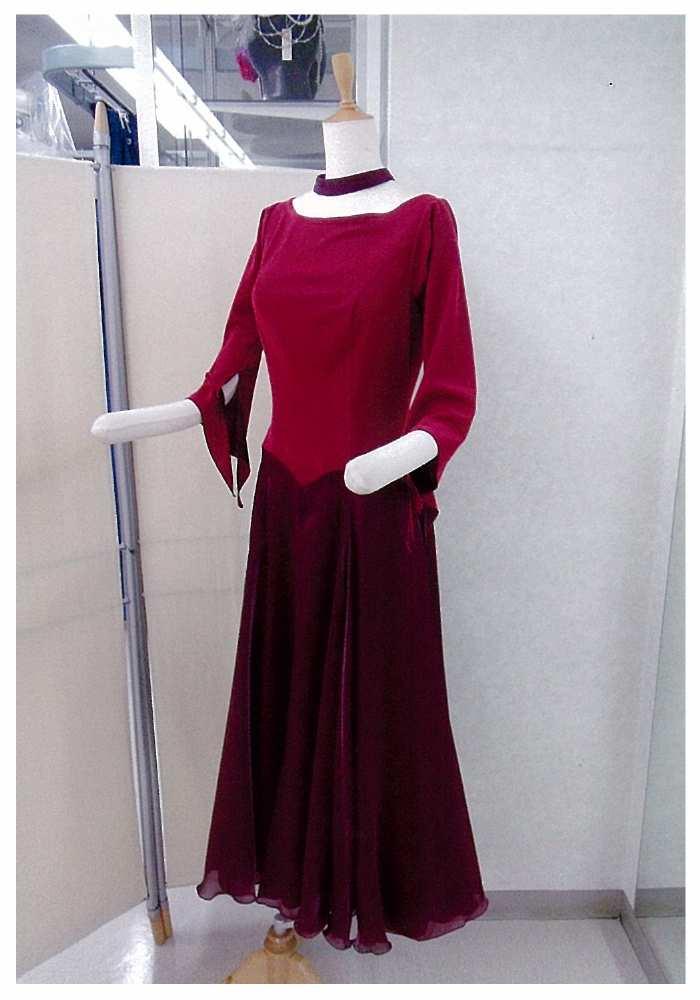 1月の新作ワンピース 白樺ドレス